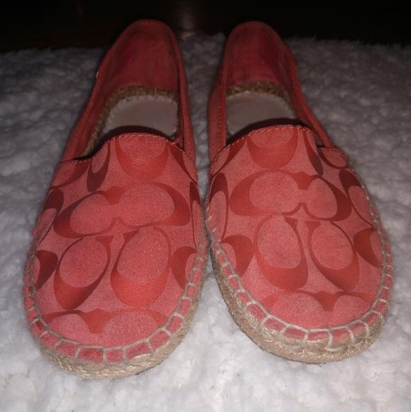 Coach Shoes - 🍂MAKE AN OFFER! Coach June shoe - size 6M